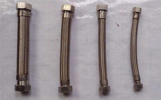 耐高温可缠绕金属软管型号