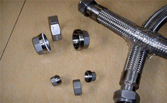 防液型金属软管型号